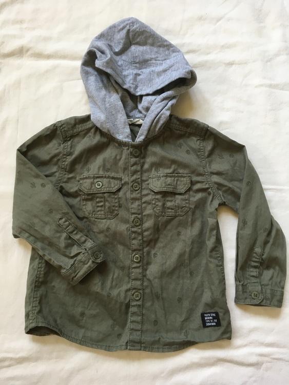 Grön skjorta stl 86