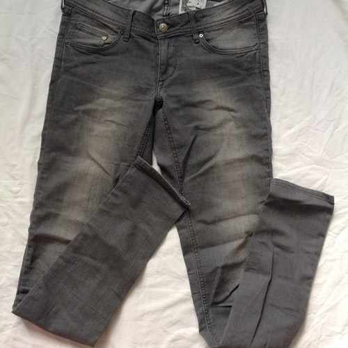Grå jeans stl 29/34