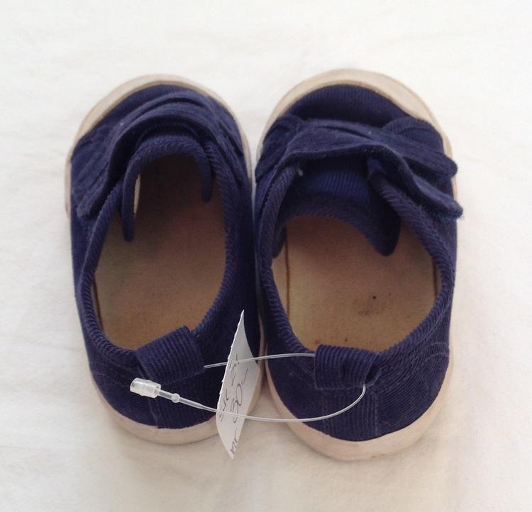 Blå sneakers stl 24