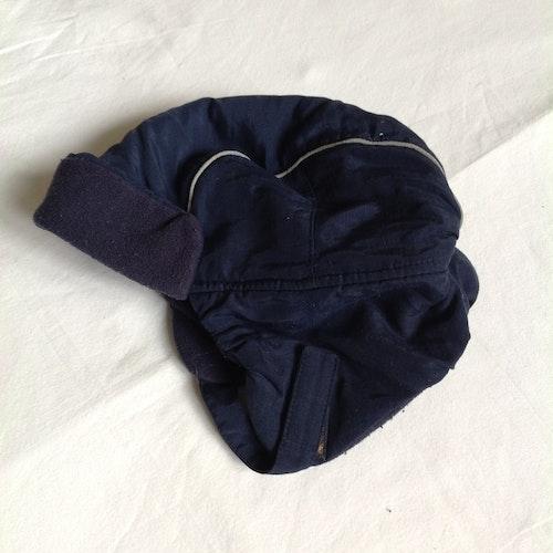 Blå tjock mössa stl 104-116