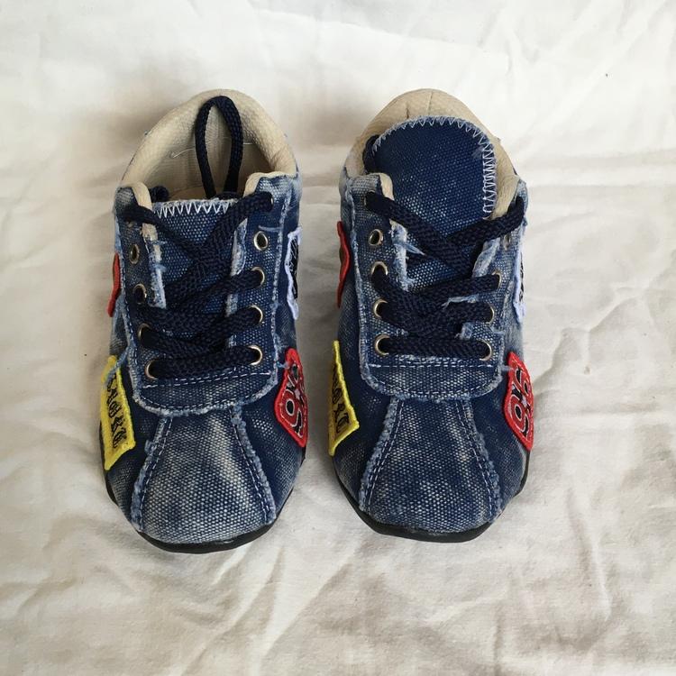 Blå sneakers