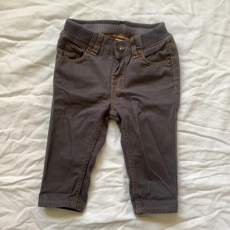 Grå jeans stl 68