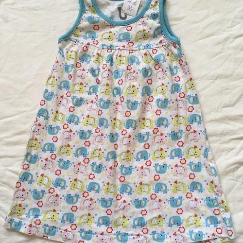 Vit klänning stl 86
