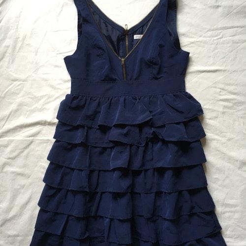 Blå klänning stl 38