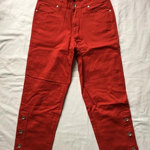 Röda byxor stl 36