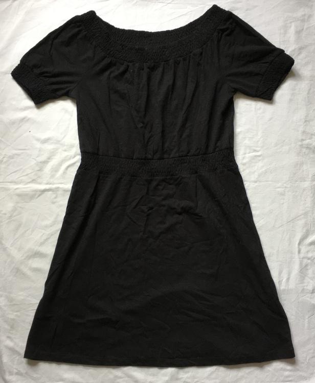 Svart klänning stl 40/42
