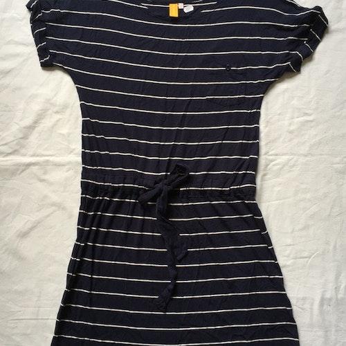 Blårandig klänning stl XS