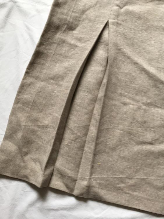 Beige kjol stl XL
