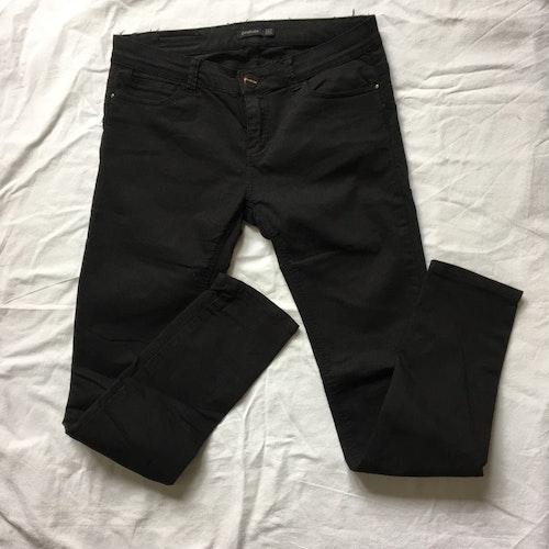 Svarta jeans stl 40