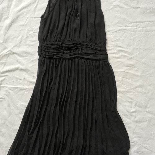 Svart klänning stl 36