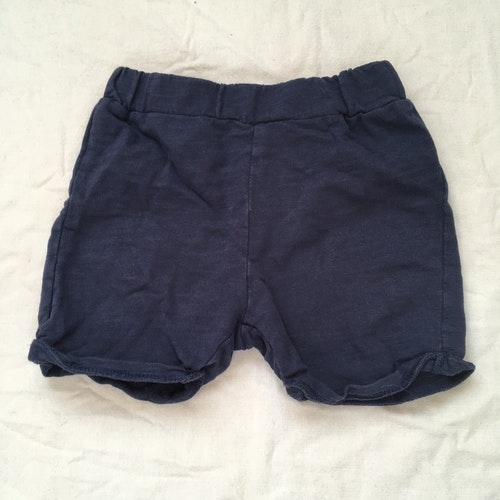 Blå shorts stl 80