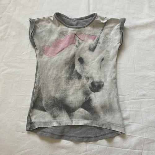 Grå t-shirt stl 86