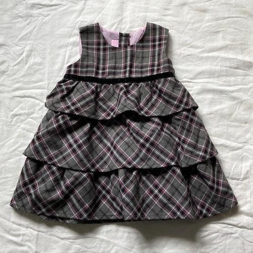 Grårutig klänning stl 80