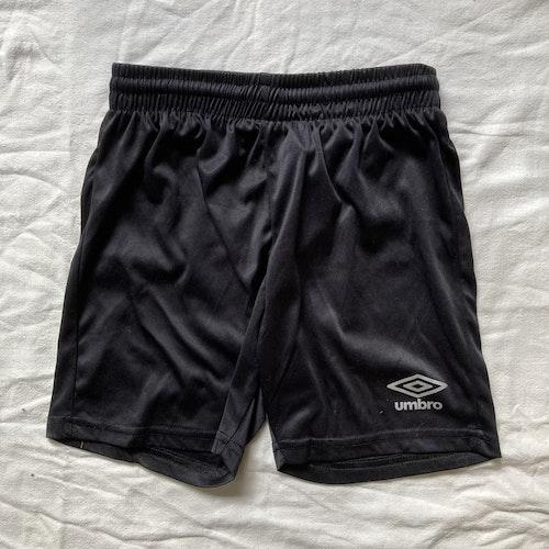 Svarta shorts stl 140