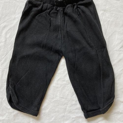Svarta mjuka byxor stl 74