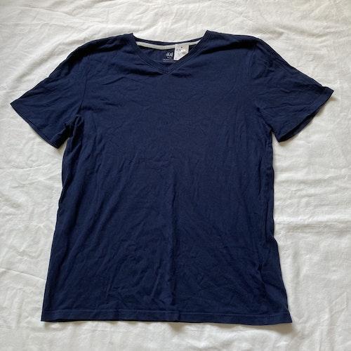 Blå t-shirt stl 146/152