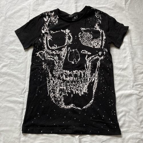 Svart t-shirt stl 146/152