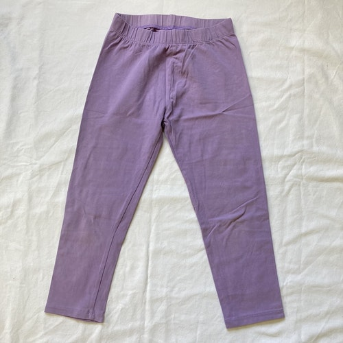 Lila korta leggings stl 134/140
