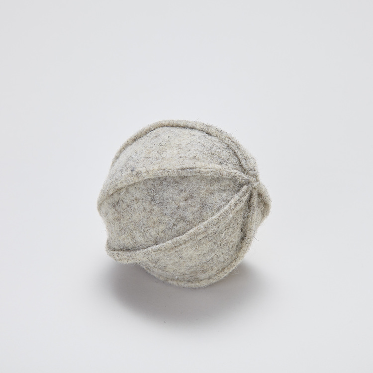 Pipande hundleksak boll