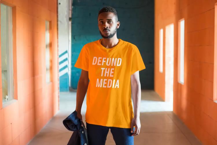 Defund The Media. Tshirt för alternativa nyheter. Tshirt Herr