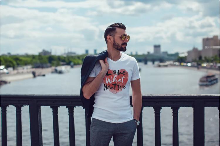 T-Shirt med tryck Love Matters. Tshirt Herr2