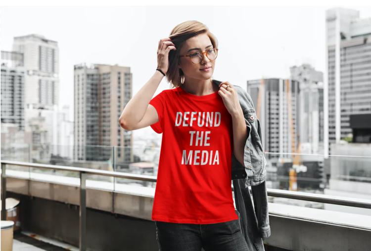 Defund The Media T-Shirt Dam Röd