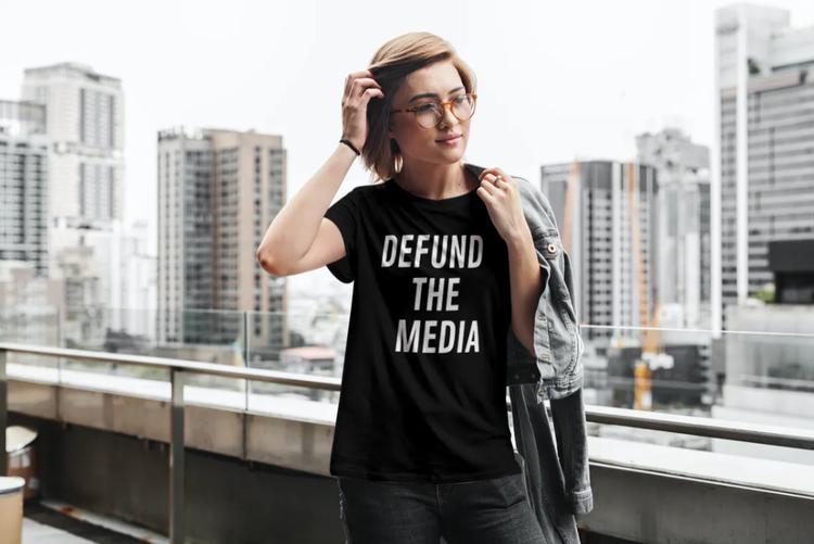 Defund The Media T-Shirt Dam Svart