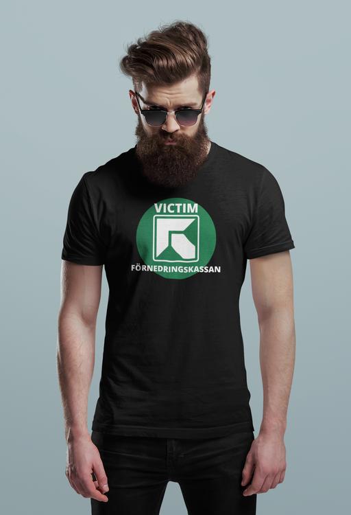 Förnedringskassan T-shirt, Försäkringskassan. Försäkringskassan är hjärtlösa. T-Shirt för den som blivit utsatt av Försäkringskassan i Sverige