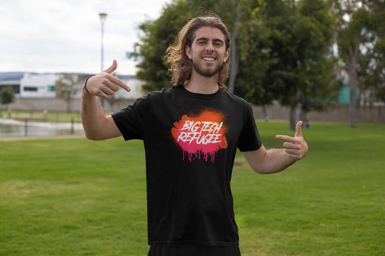 Big Tech Refugee Tshirt. Bigtech Flykting. Tshirt Herr