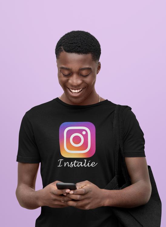 Tshirt Herr Instagram. Tshirt med text Instalie. Allt är inte sanning på instagram Tshirt