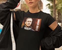 Behind Navalny T-Shirt  Dam