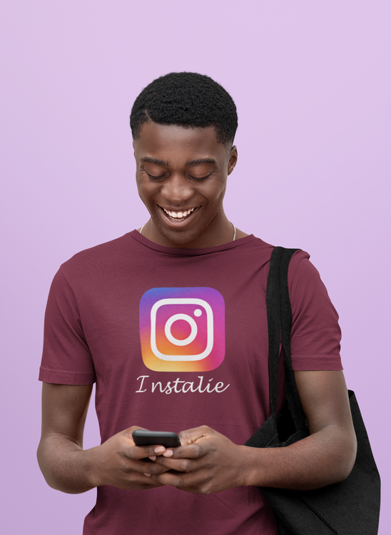 T-Shirt Herr Instagram. Rolig tröja med text Instalie