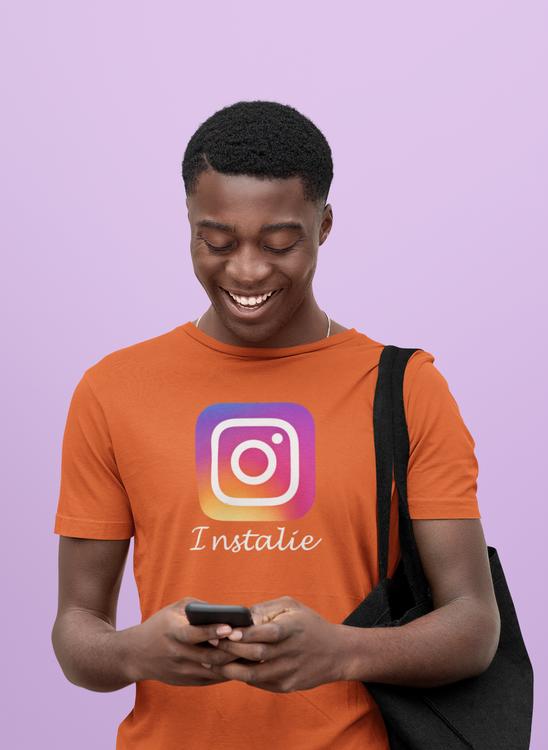 Instagram T-Shirts. Herr. Massor med färger. Cool Tshirt för antiinstagramare