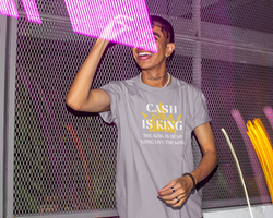 Cash Is King-The King Is Dead-Long Live The King  T-Shirt Herr