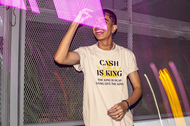 Cash Is King T-Shirt Natural. Cash Is King Tshirten finns i storlekarna s-5xl. Cash is king  Tshirt Version 2021