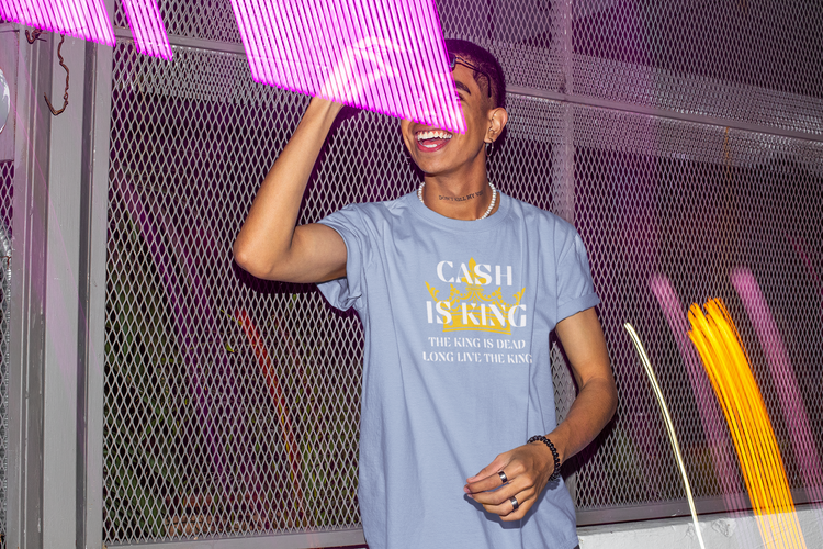 Cash Is King TShirt. Kontanter i vårt samhälle. T-Shirt för den som tycker att Cash Is King
