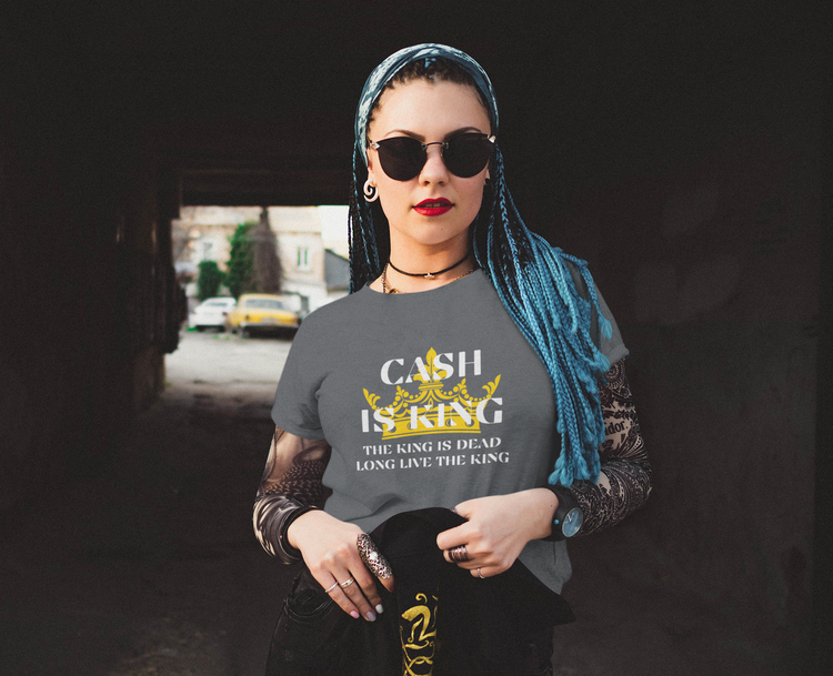Cash Is King T-Shirt Dam. T-Shirt med texttrycket Cash Is King. Multicolors