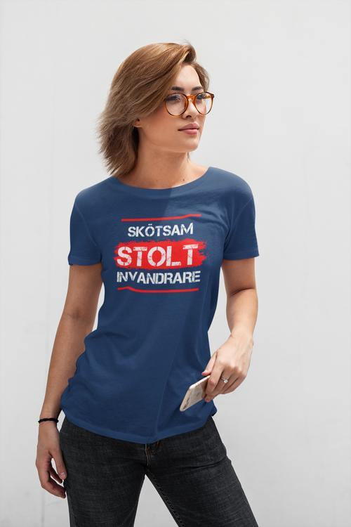 Skötsam-Stolt-Invandrare  T-Shirt  Dam