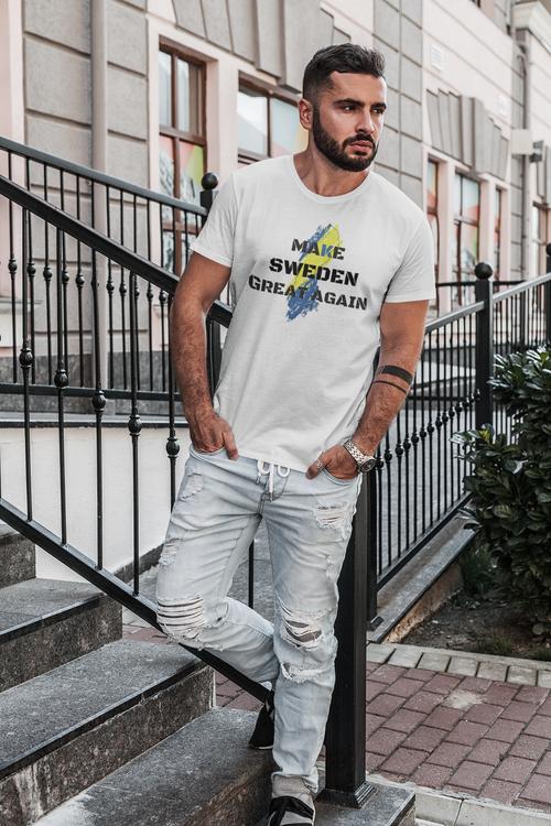 T-Shirt för män med text Make Sweden Great Again