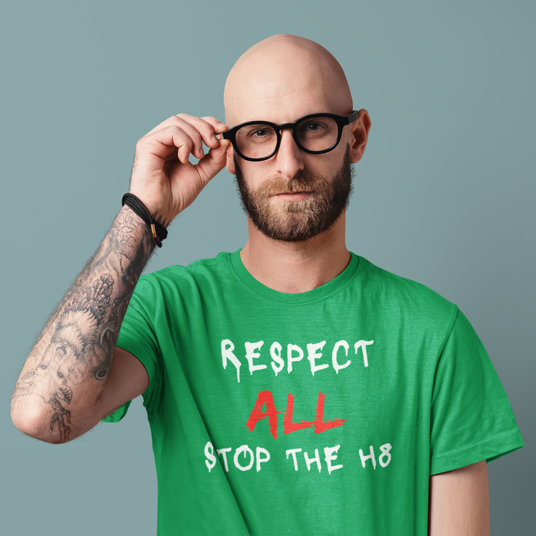 En Tshirt från Stop The Hate Collection. Respect All Stop The Hate