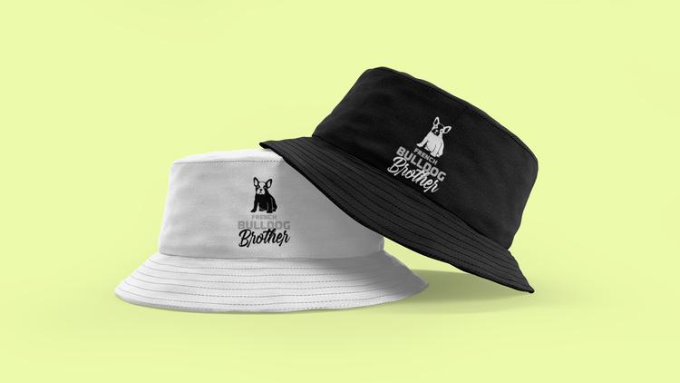 Sommaren är här snart. Dags att plocka fram de obligatoriska buckethats. Denna coola buckethat har texten French Bulldog Brother