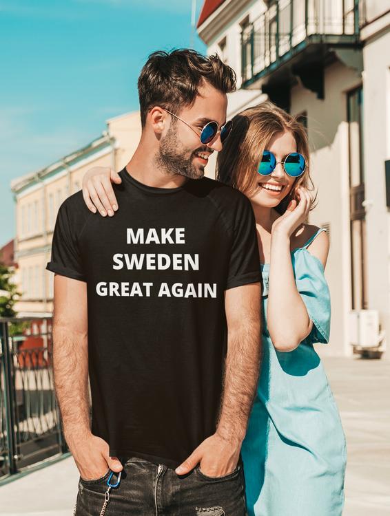 T-Shirts med text Make Sweden Great Again. Denna tröja som saknats av många finns nu hemma i Sverige för snabba leveranser