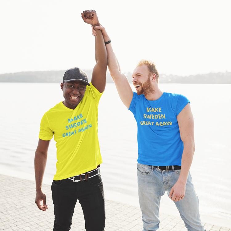 Make Sweden Great Again T-Shirts. Färgerna Blå, Gul, Svart & Vit. Storlek s-5xl