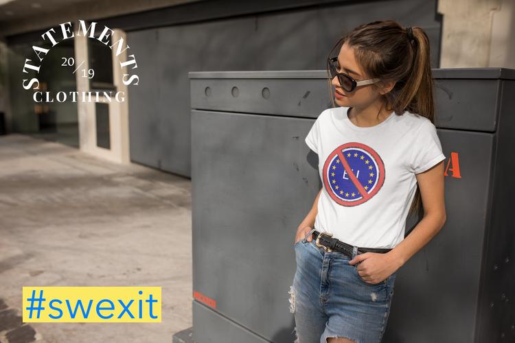 Nej till EU T-Shirt. Vita & Svarta färger i dammodeller med No To Europe text. En SWEXIT T-Shirt