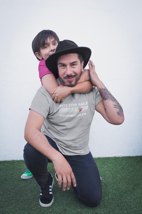 T-Shirt med tryck i herrmodeller. Tryck Motiv, Not For Sale Save Our Children