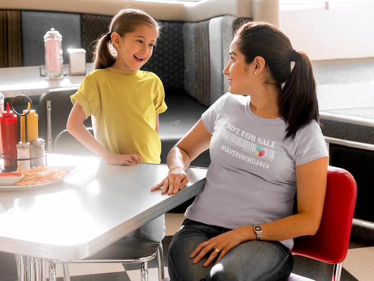 T-Shirt Dam med tryck. Massa färger att välja mellan på. Tshirt med tryck. Not For Sale, Save Our Children