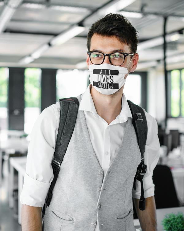 Ansiktsmask All Lives Matter. Facemask med starka budskap. Denna med text All Lives Matter