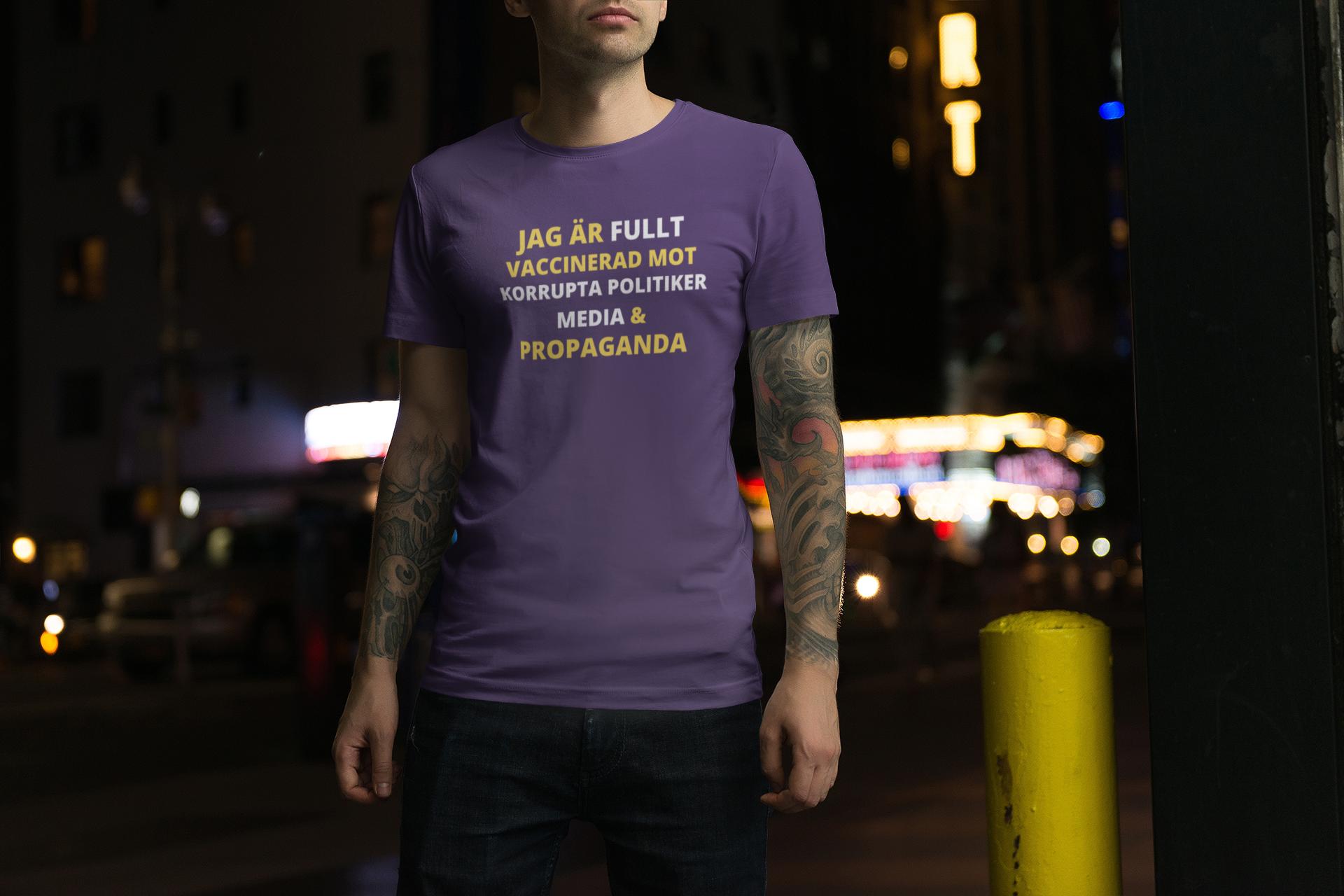 Fullt Vaccinerad Mot ...  T-Shirt Herr