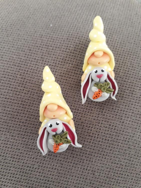 Brosch- Påsknisse med kanin