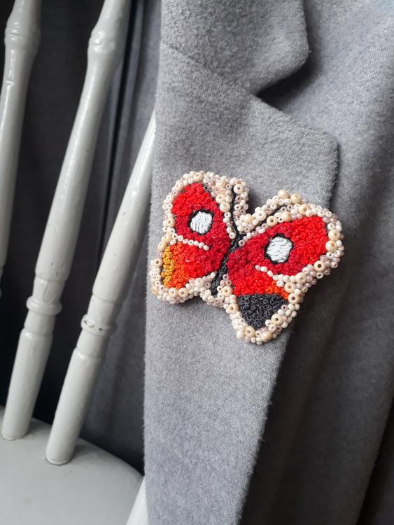 Brosch: Fjäril 'kvällssol'